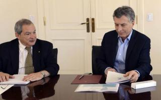 Adolfo Rubenstein, actual Secretario de Salud, reemplazará a Lemus en el cargo.