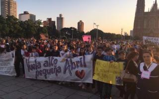 Nueva marcha por la nena de 12 años ejecutada en Ringuelet.