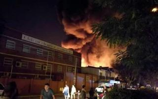 Vecinos del lugar debieron ser evacuados.
