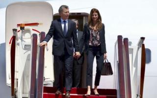 Macri viaja a Perú este viernes junta a Juliana Awada.