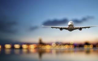 Viajar al extranjero se encareció notoriamente en los últimos meses por la disparada del dólar.