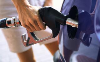 Aranguren quiere que las petroleras esperan para volver a aumentar las naftas.