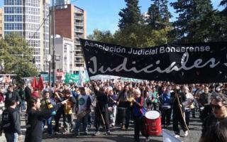 La AJB marchará el miércoles en La Plata junto a Cicop y ATE.
