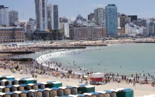 Mar del Plata celebra este domingo sus 145 años de vida.