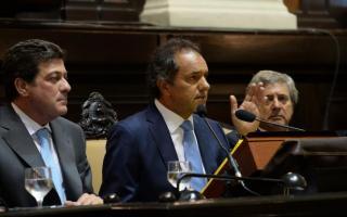 Desde distintos sectores de la oposición cargaron contra el Gobernador Daniel Scioli.