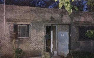 La vivienda está en San Carlos, Partido de La Plata.