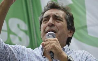 Godoy criticó a la CGT ante la posibilidad de que suspendan el paro por el bono en cuotas.