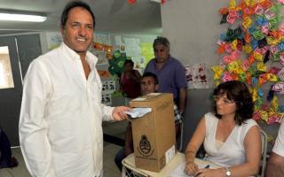 Daniel Scioli votó en Benavídez.