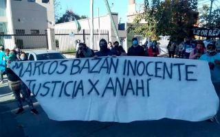 Agrupaciones feministas afirman que el único acusado por el crimen es inocente.