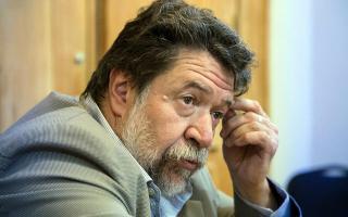 """Lozano pidió discutir la posibilidad de tener una """"moneda no convertible""""."""