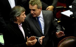 Agustín Rossi destacó a Máximo Kirchner para presidir el bloque oficialista.