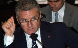 El exlegislador y ahora hombre del massismo, Raúl Pérez, criticó al Intendente Bruera.