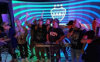 La banda que tocó en vivo subió fotos y videos de la fiesta.