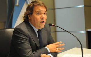 Pérez cargó contra los gremios docentes.