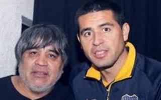 Riquelme y su padre. Foto: Archivo.