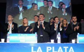 Acompañada por miembros del gabinete nacional, Saintout lanzó su postulación al Concejo de La Plata. Foto: Diagonales.