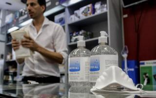 Recomiendan asistir a farmacias en caso estrictamente necesario.