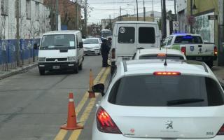 Además de los controles en los ingresos, en San Fernando también controlan calles internas.