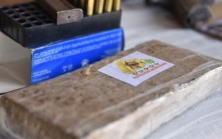 Incautan casi dos toneladas de marihuana en San Antonio de Areco por ramificación de otro decomiso