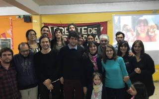 Casas (en el centro) secunda a Luana Simioni en la lista de Concejales del FIT. Foto: Facebook Partido Obrero La Plata