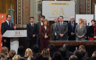 Acompañado por gran parte de su gabinete, Scioli anunció la creación de la Oficina Provincial para la Lucha contra la Trata de Personas, la Explotación Sexual Infantil, y la Protección y Asistencia de las Víctimas. Foto: BA Noticias.