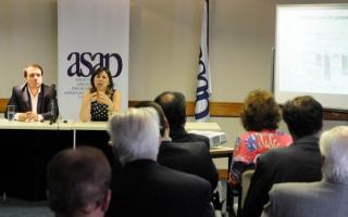 Batakis disertó en el Ciclo de Desayunos de ASAP. Foto: BANoticias.