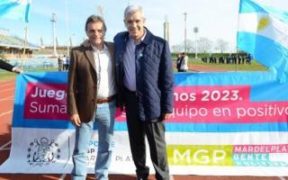 Julián Domínguez junto al Intendente Gustavo Pulti.