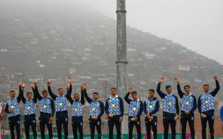 Los Pumas en lo más alto del podio.