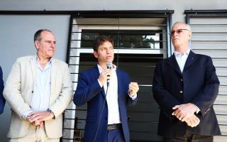 Oscar Cappelletti, Axel Kicillof y Daniel Gollan en la presentación.