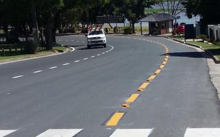 La Avenida Costanera pavimentada recientemente.