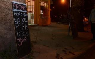 La rotisería regala 3 empanadas por cada gol de Higuaín.