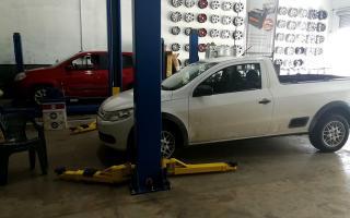 """Gomerías y talleres mecánicos pueden abrir para atender """"vehículosafectados a las prestaciones de salud o al personal con autorización para circular"""""""
