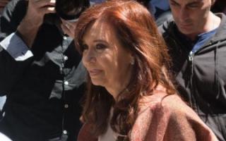 Cristina espera los resultados finales en Sarandí. Foto: Telam