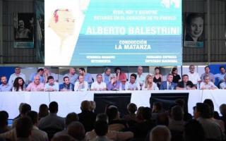 El Justicialismo se mostró unido en un homenaje a Balestrini. Foto: NA
