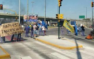 Los empleados reclaman el pago de la deuda salarial. Foto: El1Digital