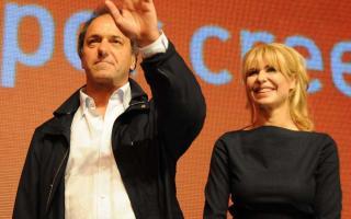 Daniel Sioli y su esposa Karina Rabolini trabajan para la candidatura presidencial