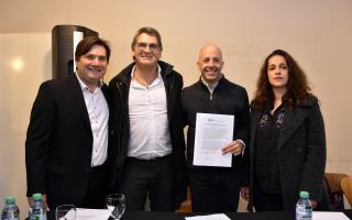 General Rodríguez: Kubar y otros siete jefes comunales firmaron convenios con secretaría de DDHH y el INADI