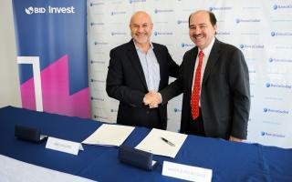 Acuerdo entre Banco Ciudad y Bid Invest para proyectos de energías renovables y eficiencia energética