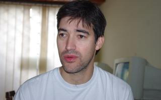 Adrián Pérez nació en Azul y fue candidato en Capital.