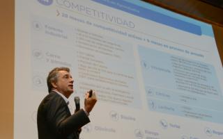 Luis Etchevehere anunció la creación de un polo agrotecnológico en el INTA Castelar