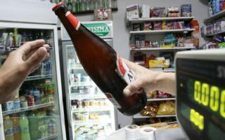 Ya es ley la venta de alcohol hasta las 23 en Provincia