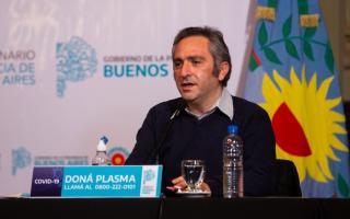 """Coronavirus en el gabinete bonaerense: El ministro """"Cuervo"""" Larroque dio positivo"""