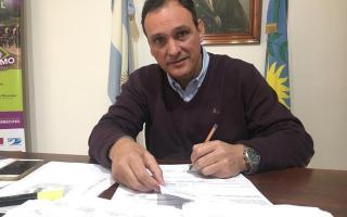 Arrecifes: Olaeta otorga un bono de $4 mil a municipales