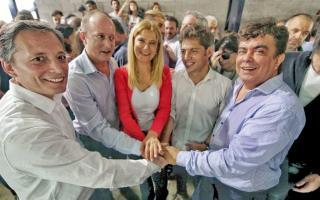 Los precandidatos a gobernador del peronismo se mostraron juntos en Avellaneda