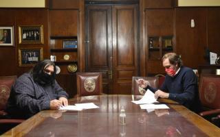 Los dirigentes firmaron el convenio