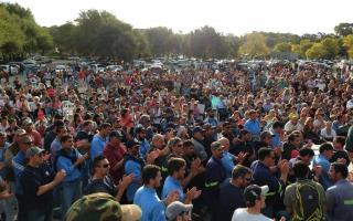 Barker se movilizó por los despidos en Loma Negra (Foto: Infoeme)