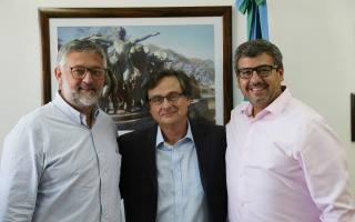 Villegas junto a Barreiro y el jefe de Gabinete del ministerio, Federico Bellezze.