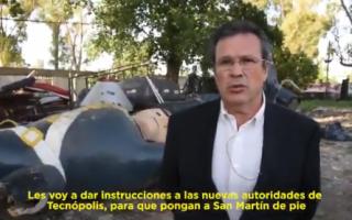 """Villa Martelli: Bauer mostró un """"San Martín"""" tirado en Tecnópolis y ordenó ponerlo """"de pie"""""""