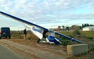 Despistó una avioneta en Berazategui y frenó en la autopista