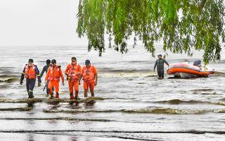 Derrame de hidrocarburo en la costa de Berisso